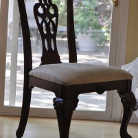 re-upholsteringa-chair